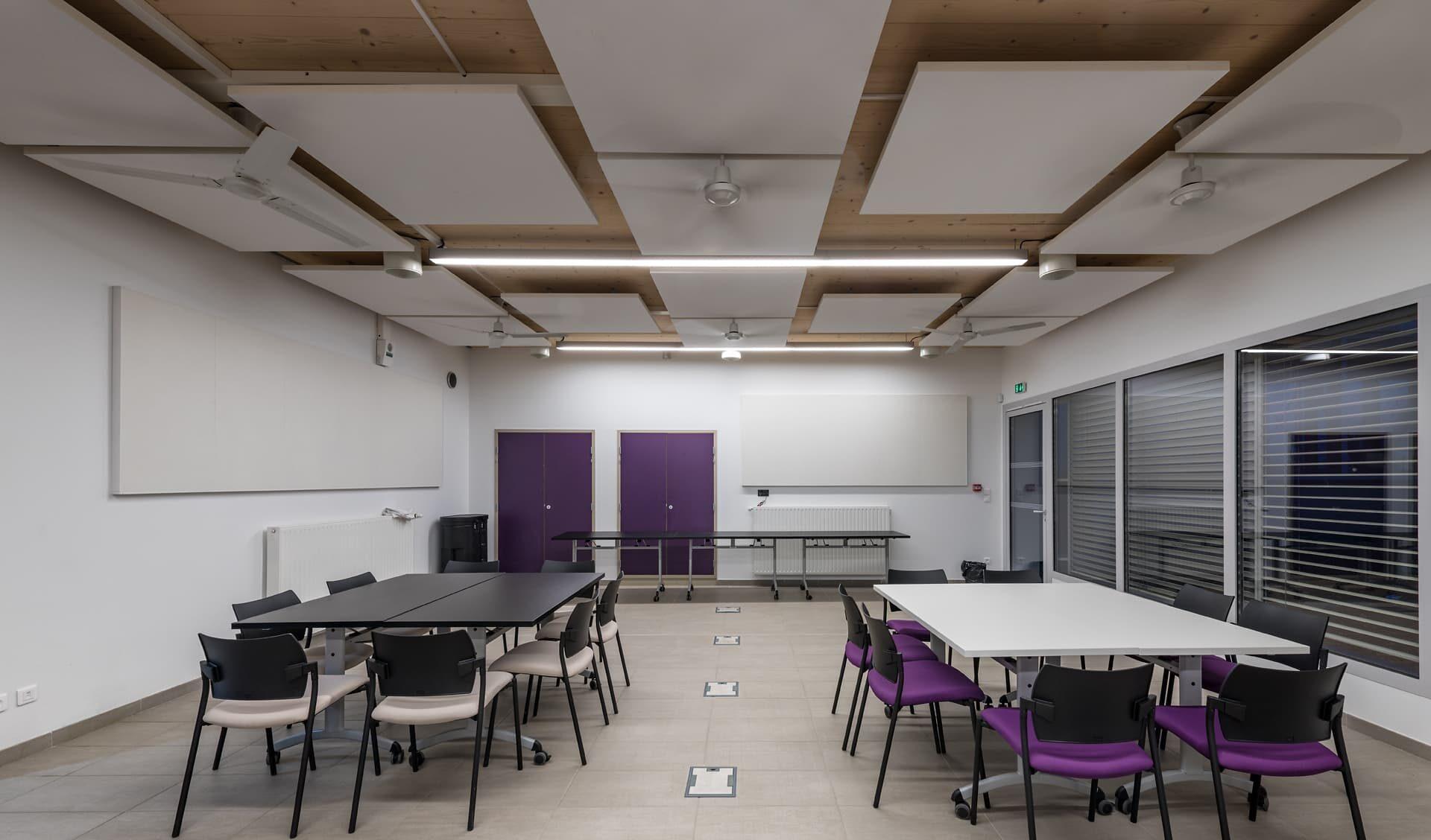 Eclairage d'une salle de classe de l'écocampus