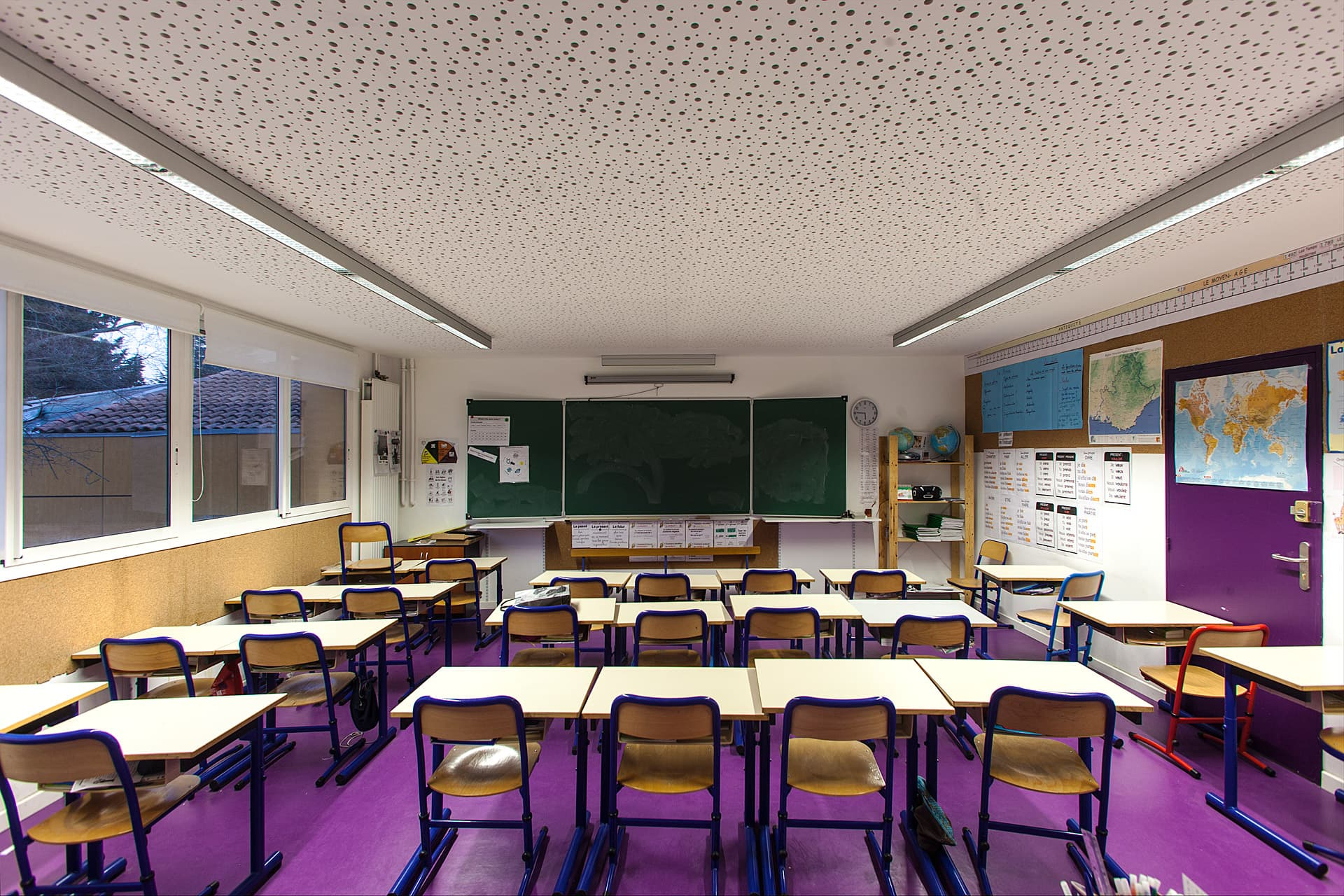 Eclairage d'une salle de classe de l'école ouvrière