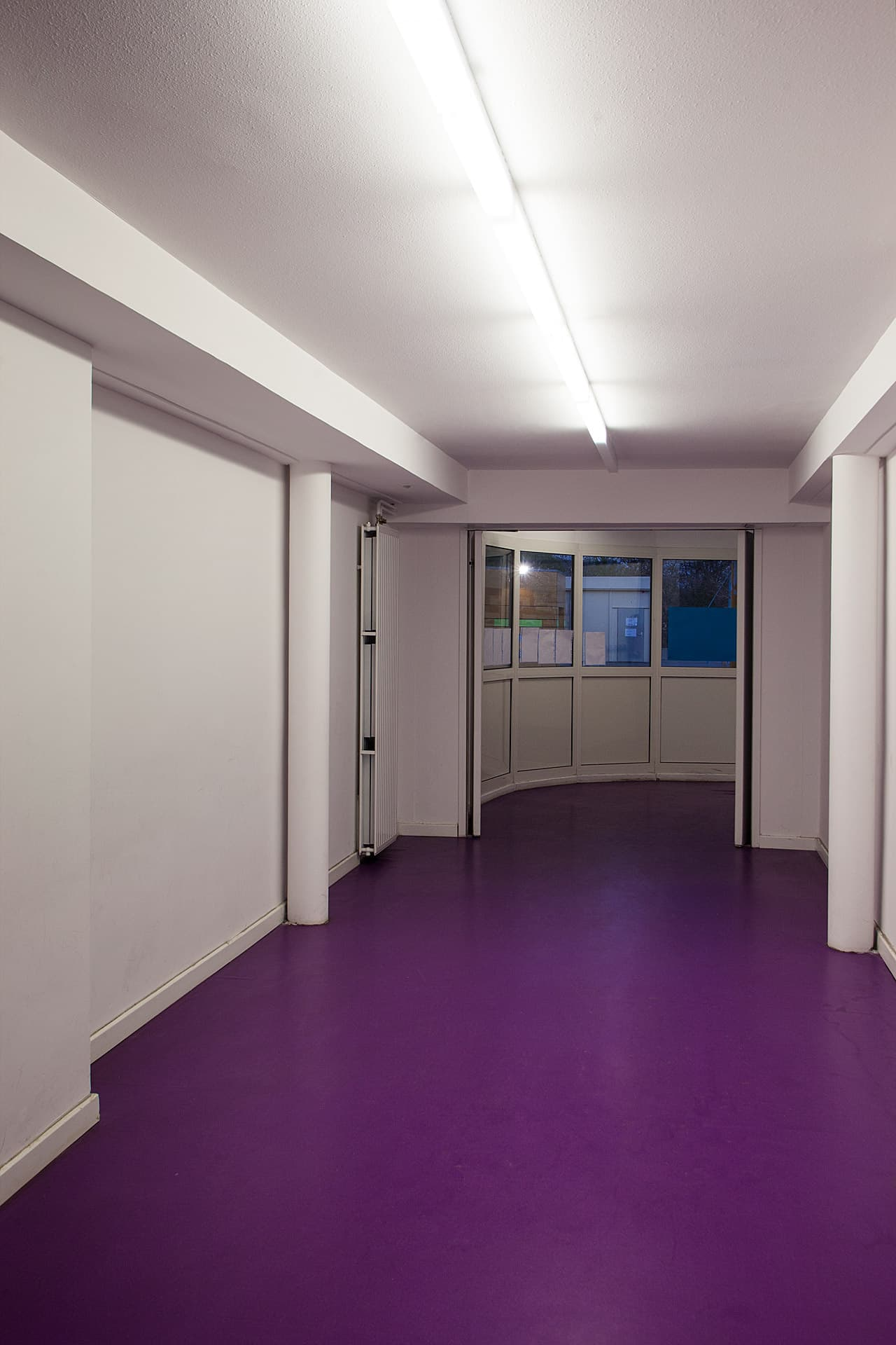 Eclairage de couloir de l'école ouvrière