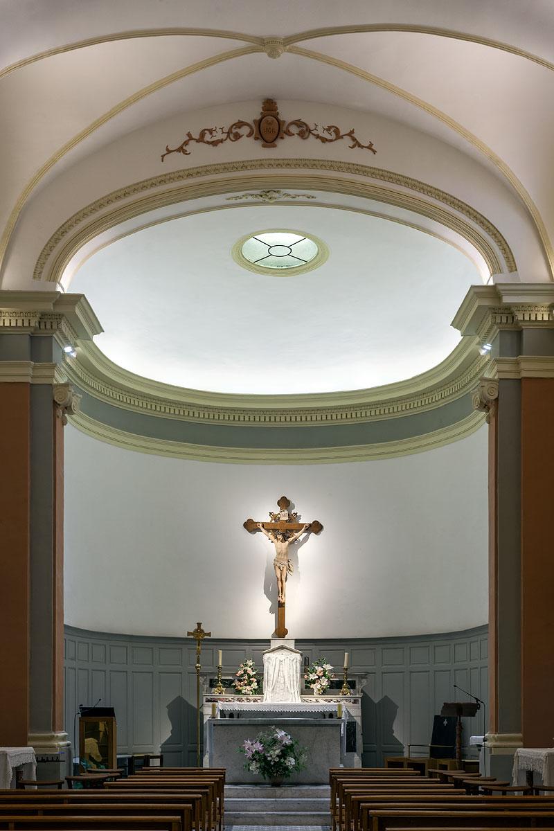 Eclairage du christ dans l'église St Jacques le majeur Greasque