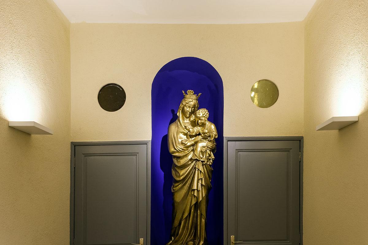 La virge et l'enfant dans l'église St Jacques le majeur Greasque