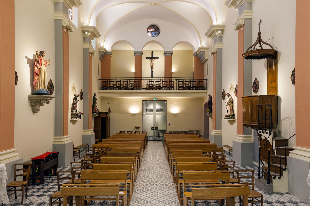 Vue d'ensemble de l'éclairage l'église St Jacques le majeur Greasque