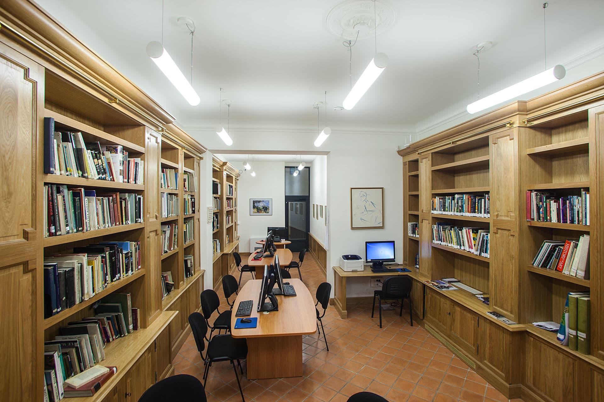 Eclairage de la bibliothèque de l'IAU d'Aix en Provence