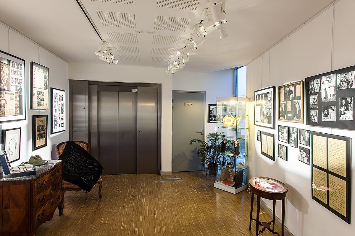Eclairage dans une salle du Musée Raimu
