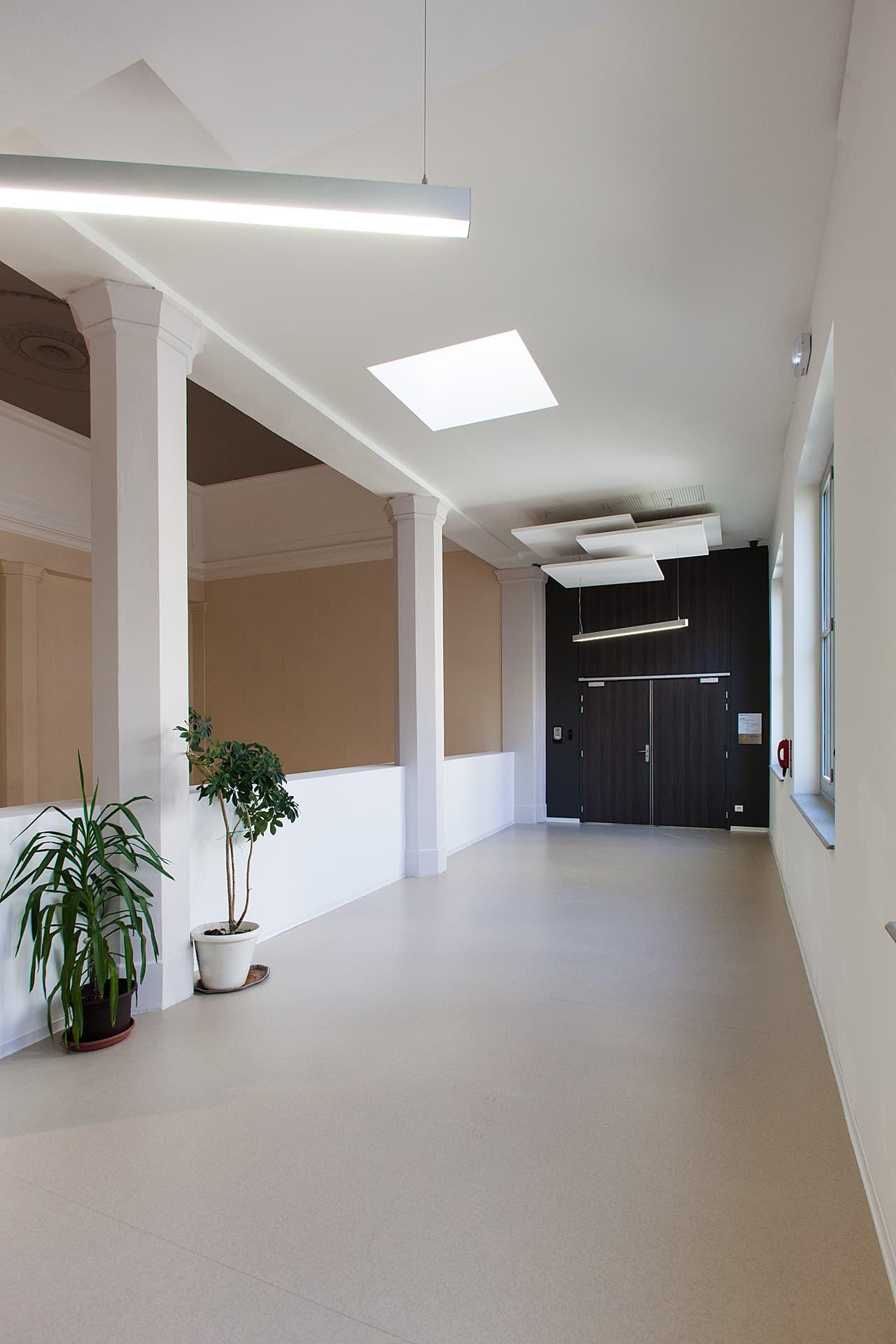 Eclairage d'un couloir du Palais de Justice Monthyon Marseille