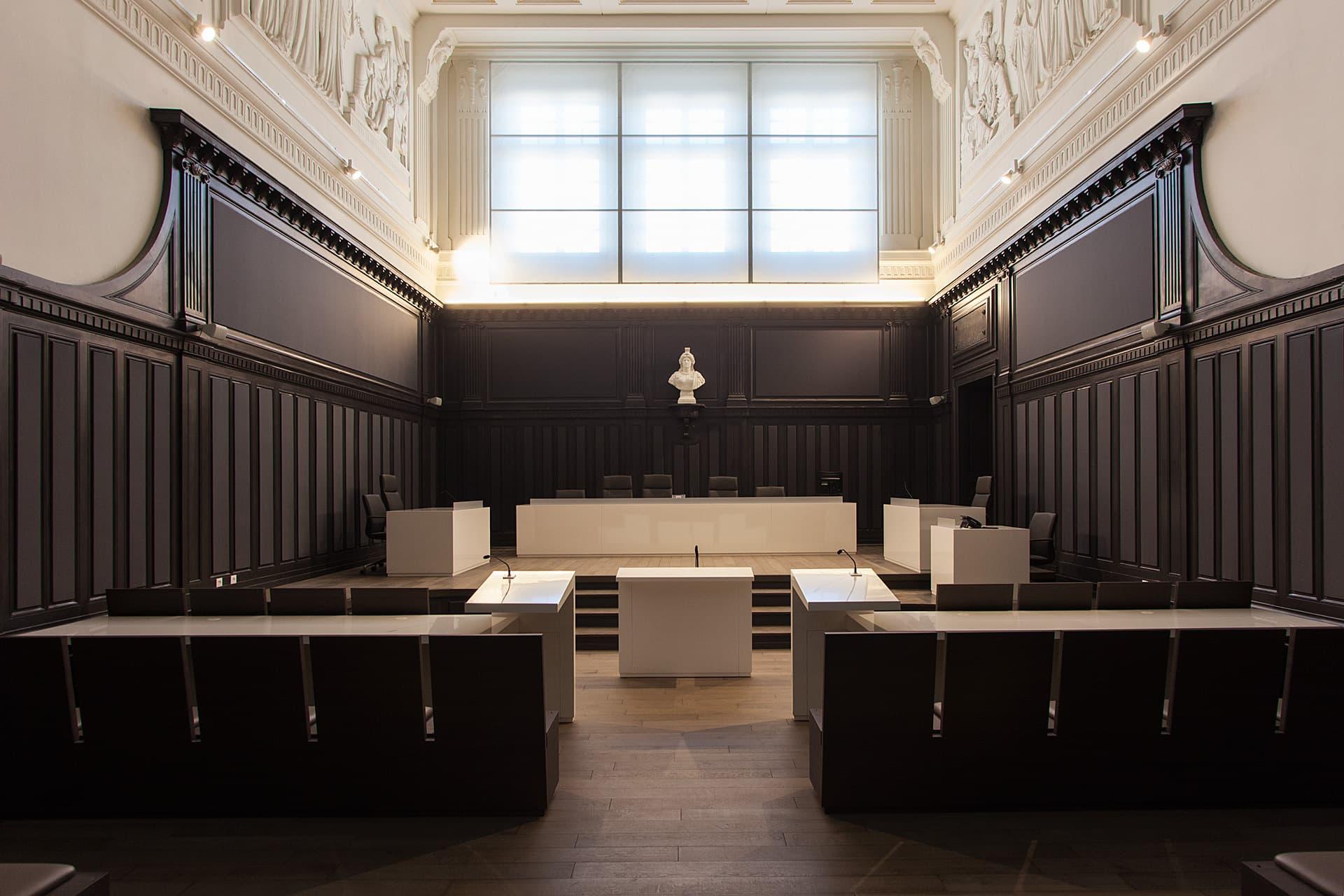 Eclairage d'une salle du Palais de Justice Monthyon Marseille