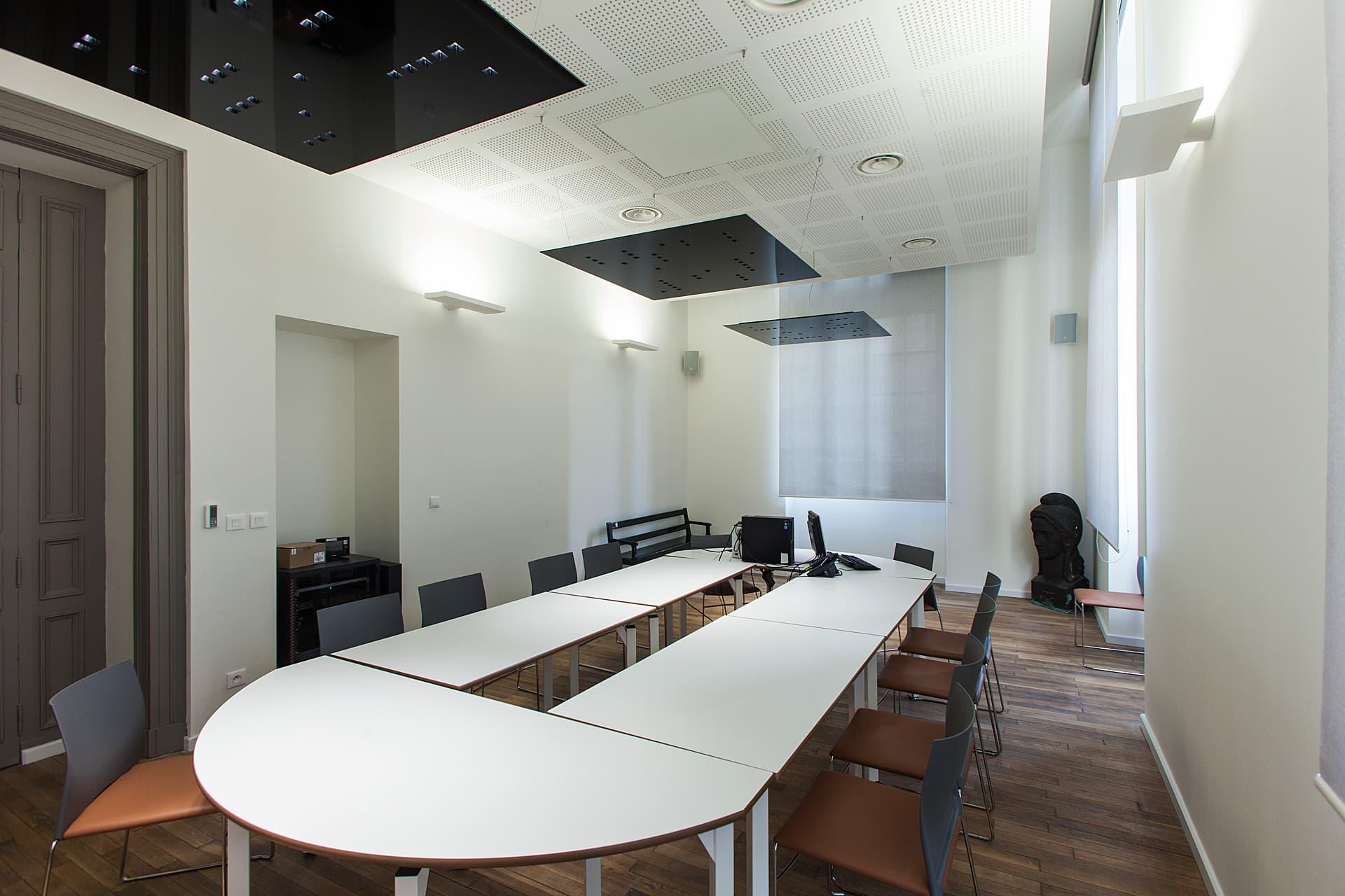 Eclairage de la salle de réunion du Palais de Justice Monthyon Marseille