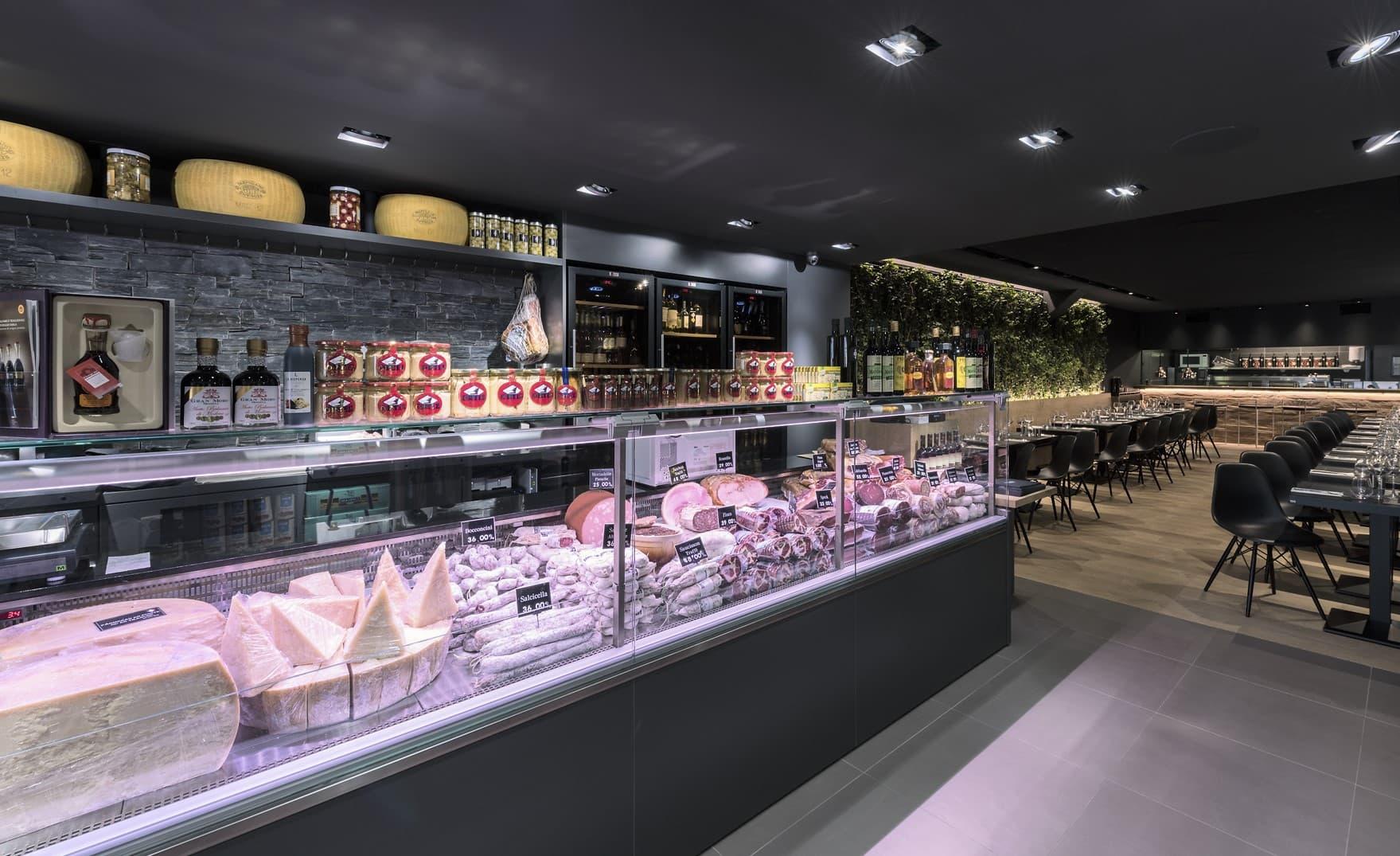 Eclairage de l'épicerie du restaurant L'Italien