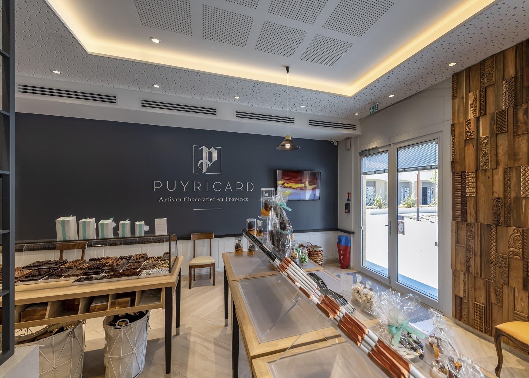 Entrée de la boutique Puyricard