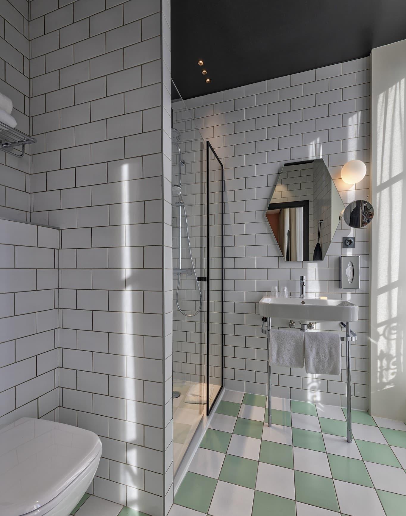 Eclairage d'une salle de bain de l'Hôtel Mercure Les Feuillants