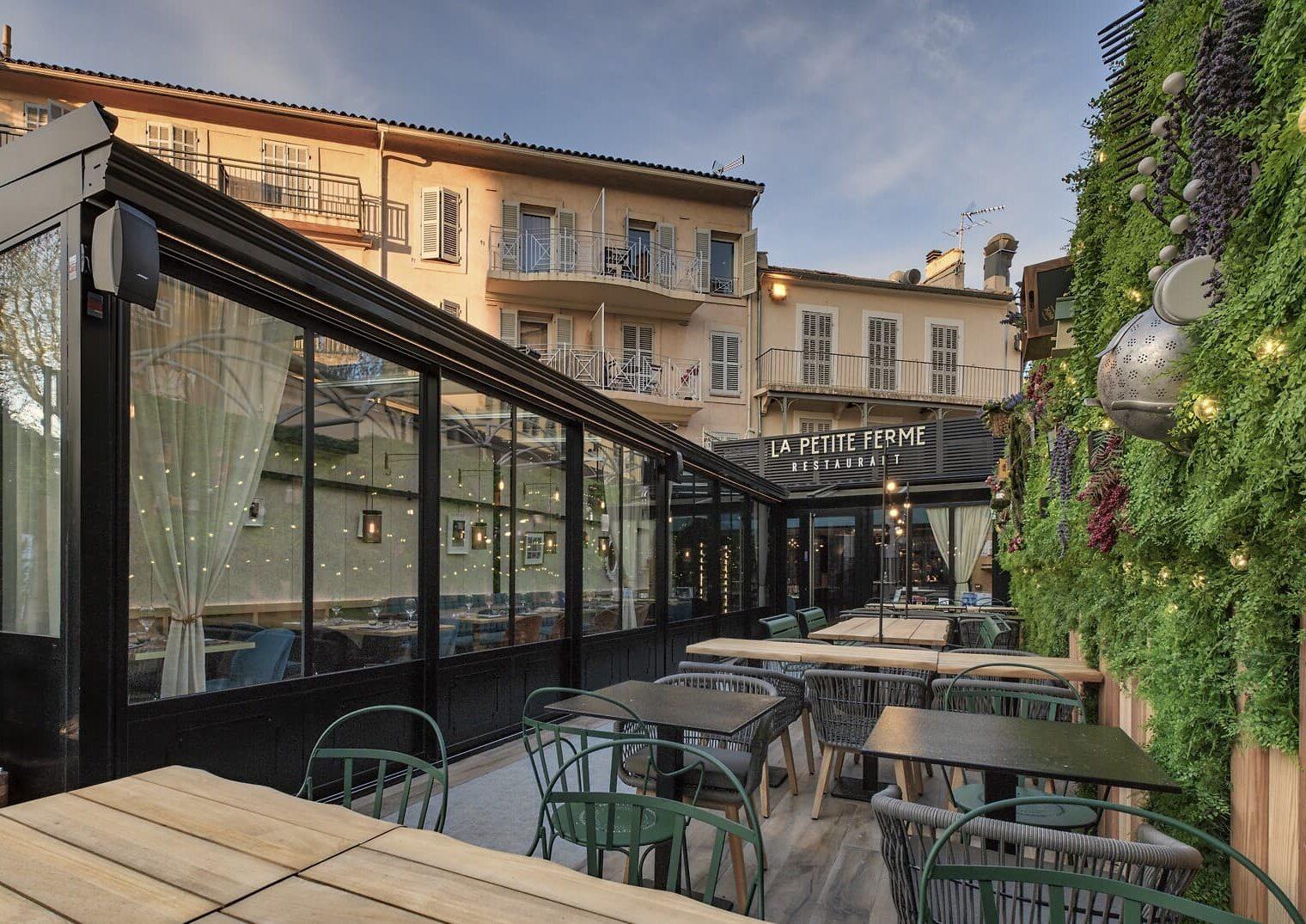 Terrasse du restaurant La Petite Ferme