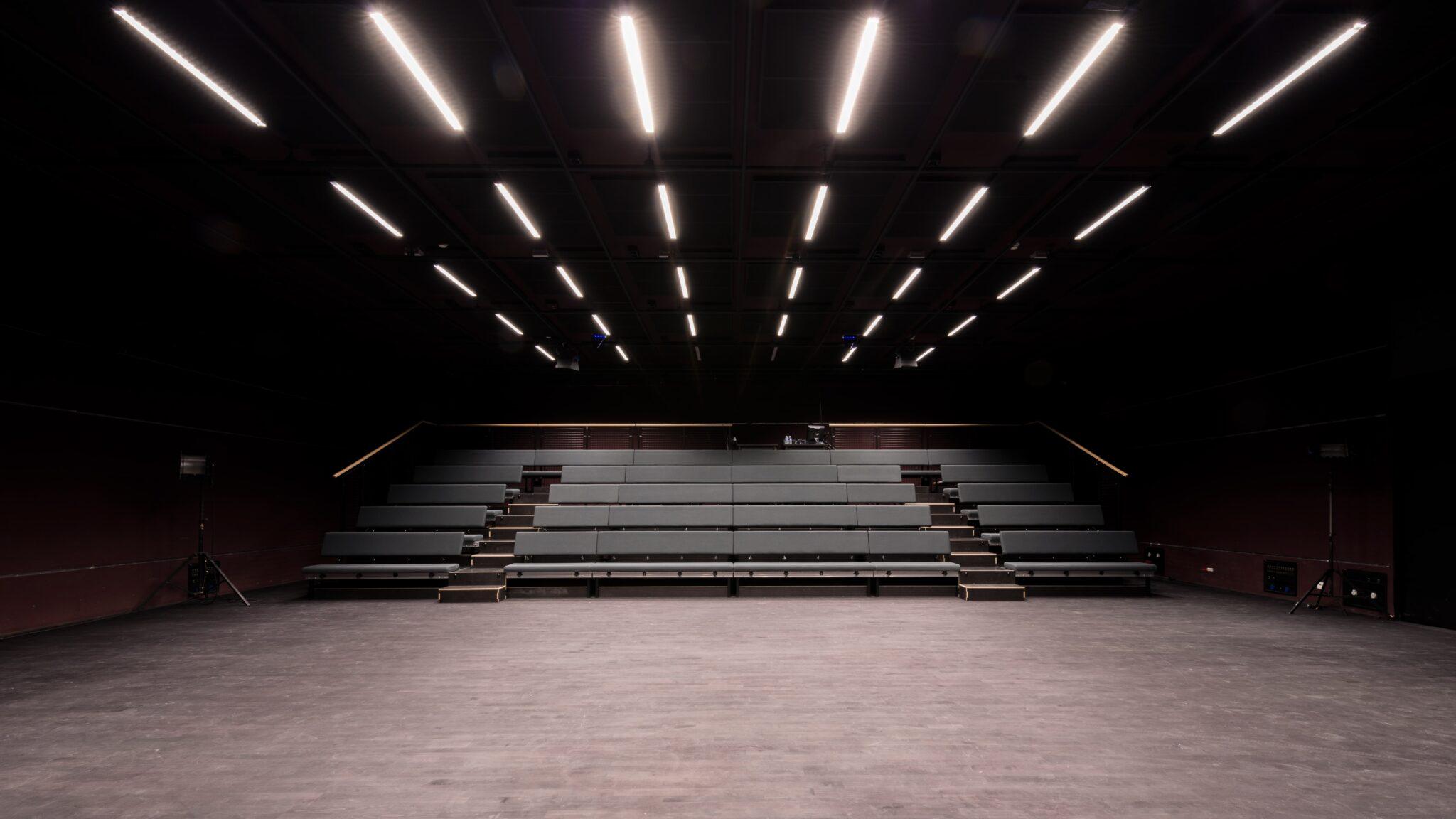 Luminaire encastrés dans le Théâtre de la Minoterie