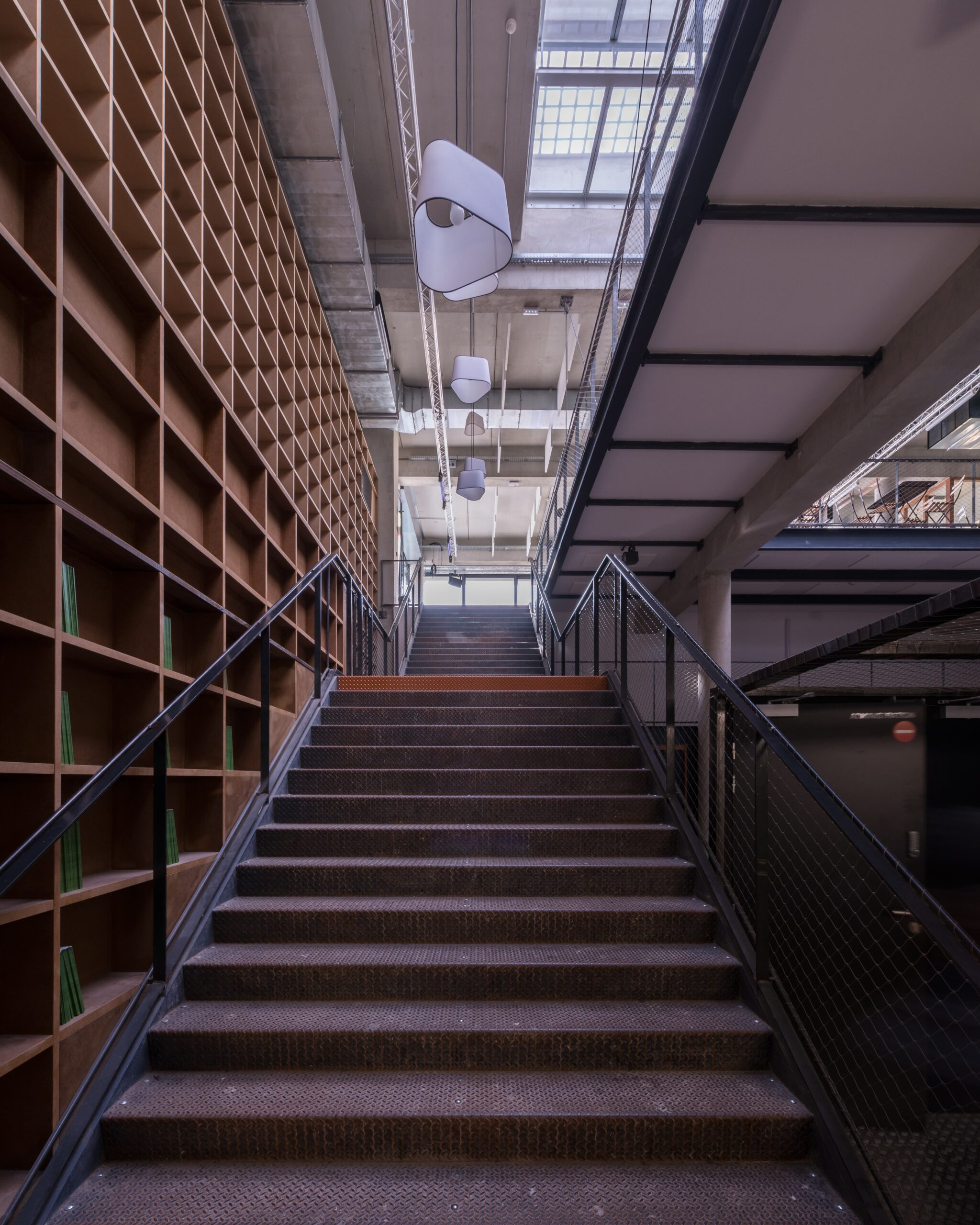 Vue de jours les escalier du Théâtre de la Minoterie