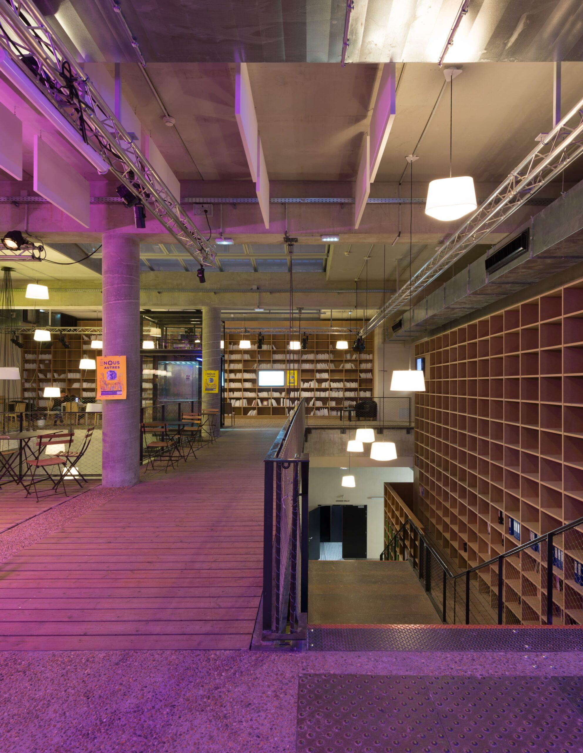 Eclairage de nuit du premier étage du Théâtre de la Minoterie