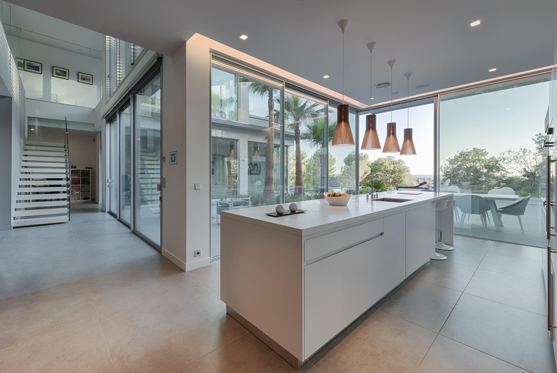 Eclairage de la cuisine dans la villa privée Lima