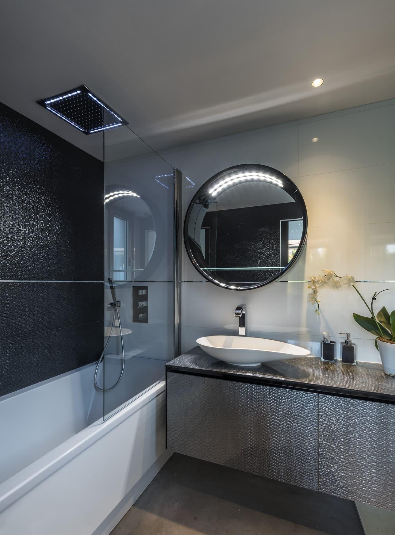 Eclairage de la salle de bain de la villa privée Roméo