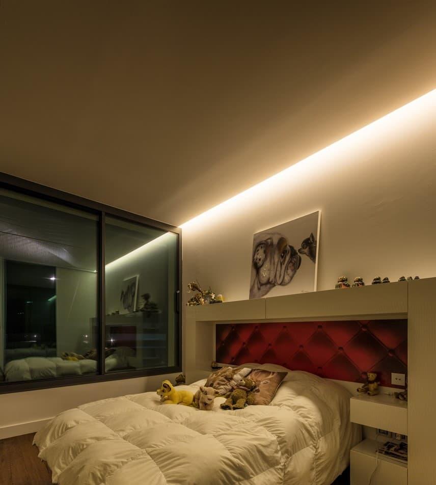 Gorge lumineuse dans une des chambres de la villa privée Tango