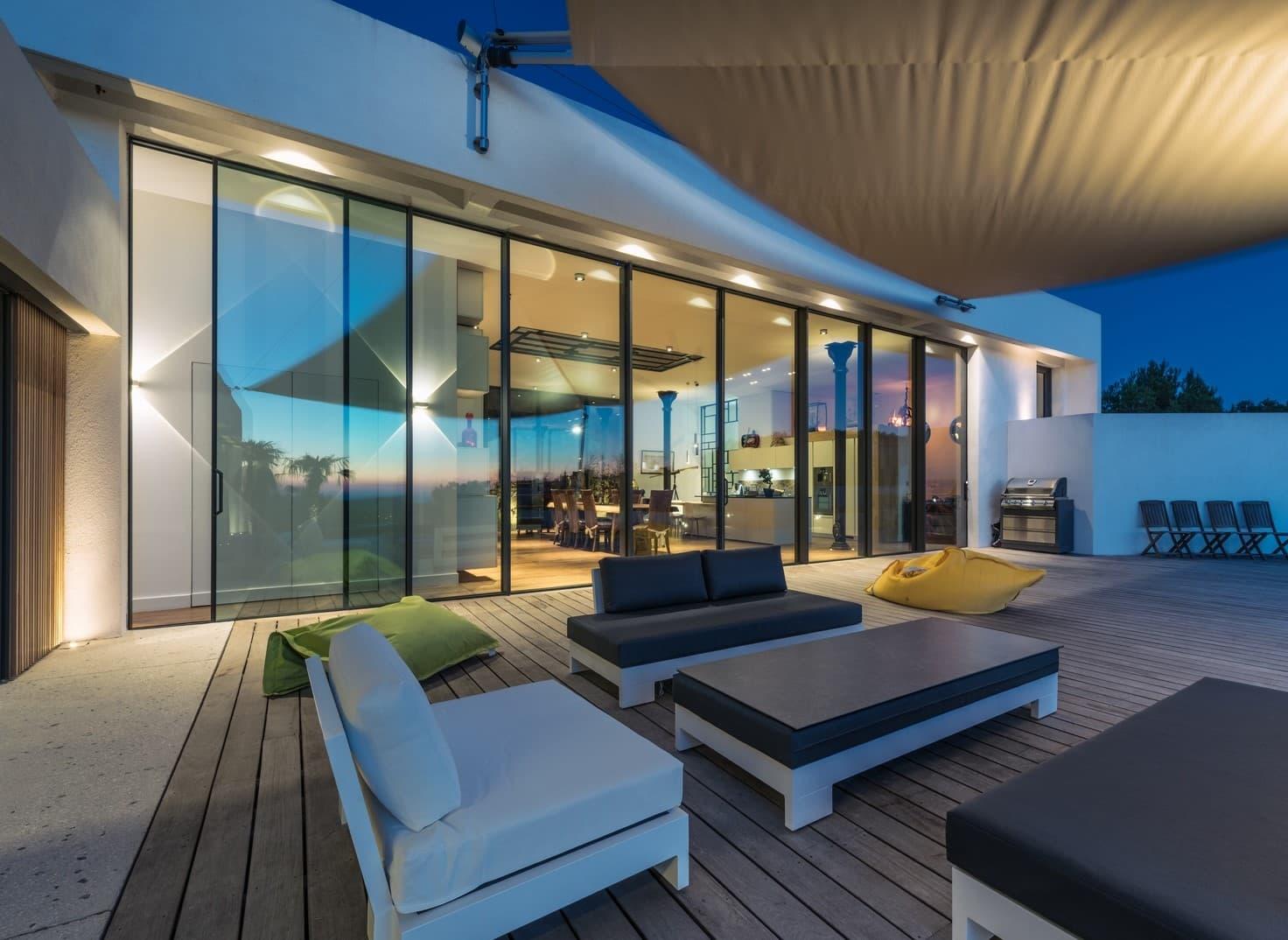 Eclairage de la terrasse de la villa privée Tango