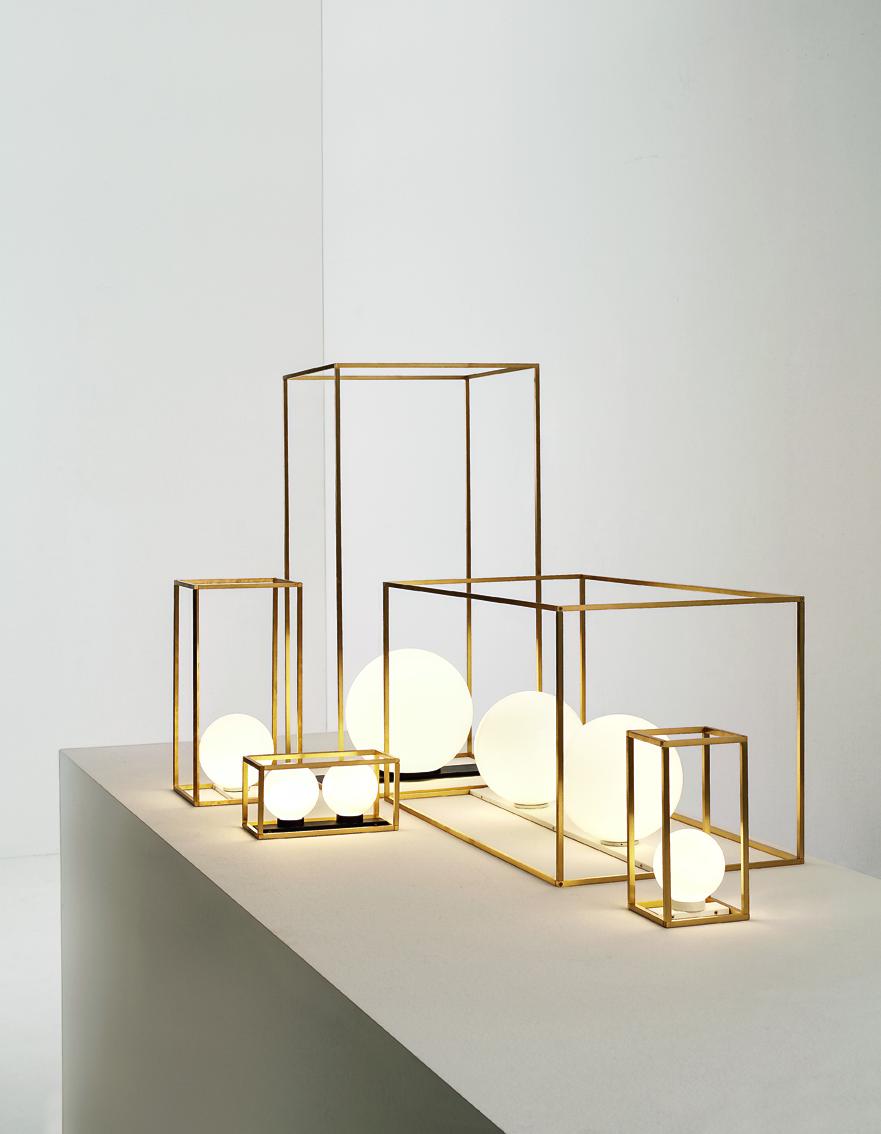 Lampe à poser en laiton dorée carrée et rectangulaire