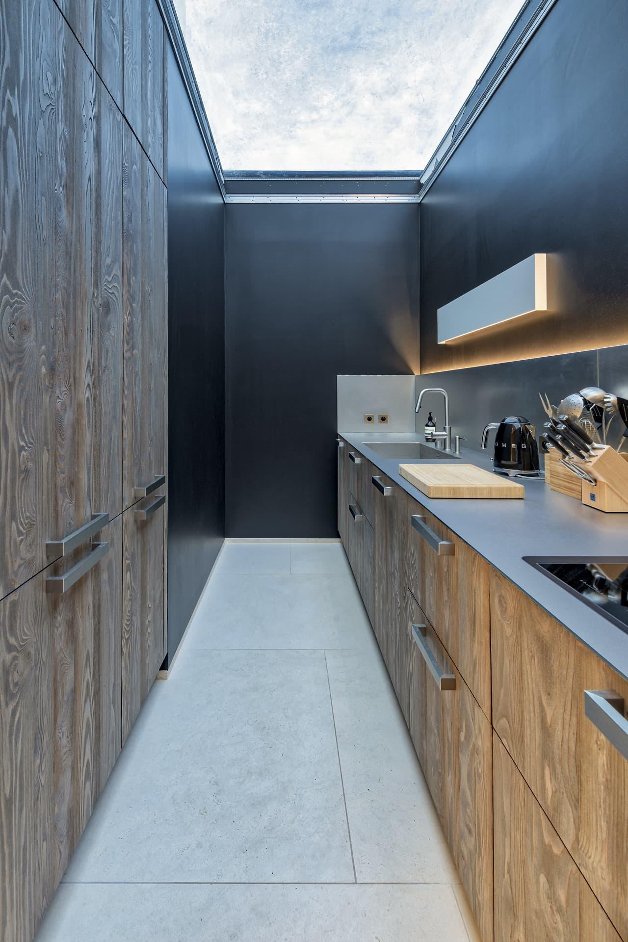 Cuisine avec toit ouvert dans la villa privée Sigma